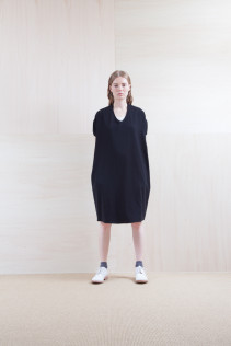 Dress_ S15-O182 OSOP 25,500yen+tax br; Sox_ S15-SO251 Color heel sox 1,900yen+tax