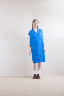 Dress_ S15-O223 CFSOP 24,500yen+tax br; Sox_ S15-SO252 Linen rib sox 2,350yen+tax br; Shoes_ prototype