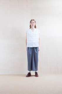 Shirts_ S15-S163 VFSH 16,000yen+tax br; Skirt_ S15-SK24 LGSK 20,000yen+tax br; Sox_ S15-SO252 Linen rib sox 2,350yen+tax br; Shoes_ prototype