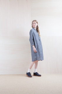 Dress_ S15-O233 JSOP2 33,500yen+tax br; Sox_ S15-SO252 Linen rib sox 2,350yen+tax br; Shoes_ prototype
