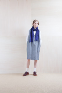 Dress_ S15-O94 POOP 29,500yen+tax br; Shirts_ S15-S31 JSOSH7 18,500yen+tax br; Stole_ S15-K78 KYSTL 6,500yen+tax br; Sox_ S15-SO252 Linen rib sox 2,350yen+tax br; Shoes_ prototype
