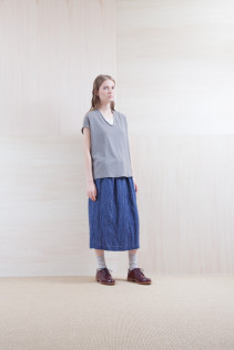 Tops_ S15-S183 FSPO 15,000yen+tax br;  Skirt_ S15-SK134 UTPSK 21,000yen+tax br; Sox_ S15-SO252 Linen rib sox 2,350yen+tax br; Shoes_ prototype