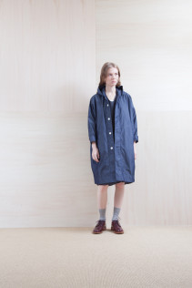 Coat_ S15-C83 FOCT 32,000yen+tax br; Dress_ S15-O133 LOSOP 28,000yen+tax br; Sox_ S15-SO252 Linen rib sox 2,350yen+tax br; Shoes_ prototype