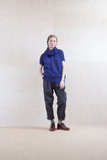 Knit_ S15-K73 KYOK 19,500yen+tax br; Pants_ S15-P211 CWPT 21,500yen+tax br; Stole_ S15-K78 KYSTL 6,500yen+tax br; Sox_ S15-SO252 Linen rib sox 2,350yen+tax br; Shoes_ prototype