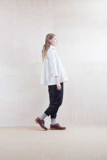 Cut&Sewn_ S15-T124 PFAT 17,500yen+tax br; Pants_ S15-P155 BLSL 22,500yen+tax br; Sox_ S15-SO252 Linen rib sox 2,350yen+tax br; Shoes_ prototype