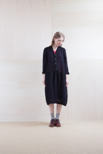 Dress_ S15-O234 VNGOP 33,500yen+tax br; Cut&Sewn_ S15-T51 TELT-7L 9,500yen+tax br; Sox_ S15-SO252 Linen rib sox 2,350yen+tax br; Shoes_ prototype
