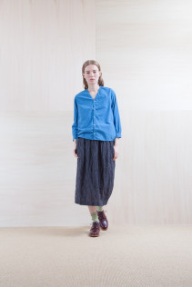 Shirts_ S15-S171 VNSH 18,500yen+tax br; Skirt_ S15-SK134 UTPSK 21,000yen+tax br; Sox_ S15-SO252 Linen rib sox 2,350yen+tax br; Shoes_ prototype