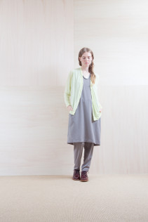 Cardigan_ S15-T241 GZJCD 12,000yen+tax br; Dress_ S15-O181 NSOP 26,000yen+tax br; Pants_ S15-P185 SLMPT2 22,000yen+tax br; Sox_ S15-SO252 Linen rib sox 2,350yen+tax br; Shoes_ prototype