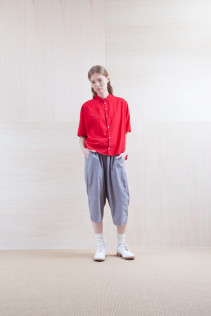 Shirts_ S15-S172 DOSH 18,500yen+tax br; Pants_ S15-P112 GMSL 22,000yen+tax br; Sox_ S15-SO252 Linen rib sox 2,350yen+tax