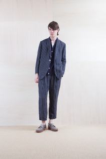 Cardigan_ S15-T46 115CD2p 14,500yen+tax br; Pants_ S15-P131 WEPT 24,000yen+tax br; Shoes_ prototype