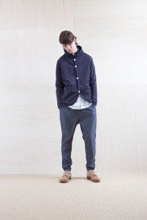 Cardigan_ S15-T122 FPPK 18,000yen+tax br; Shirts_ S15-S166 WWDSH 19,500yen+tax br; Pants_ S15-P111 SRPT 23,000yen+tax