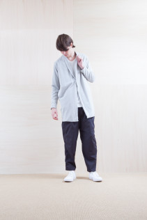 Cardigan_ S15-T49 CMCT-M 23,000yen+tax br; Pants_ S15-P155 BLSL 22,500yen+tax