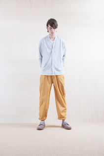 Cardigan_ S15-T46 115CD2p 14,500yen+tax br; Pants_ S15-P81 WDNM 22,000yen+tax br; Shoes_ prototype