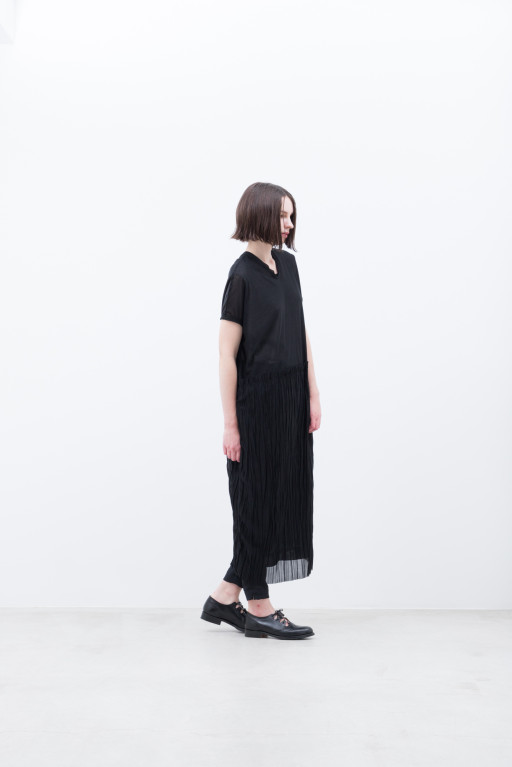 Onepiece / S9_NC256TO : NMSTO 19,500+tax br; Pants / S9_NC184PF : NPTPT 21,000+tax br;